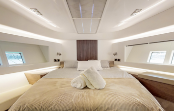 Pearl 65 Double Cabin