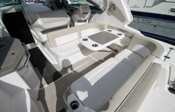 Chaparral 310 Signature for Sale Devon - Outdoor Seating Area