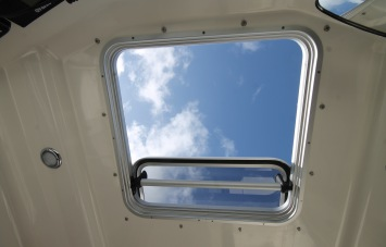 Quicksilver 605 PilotHouse for Sale in Devon - Opening Roof Hatch