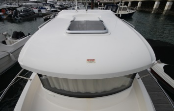 Quicksilver 605 PilotHouse for Sale in Devon - Roof Hatch
