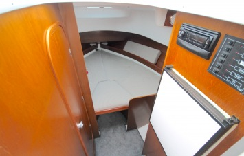 Beneteau Antares 760 for Sale Cabin