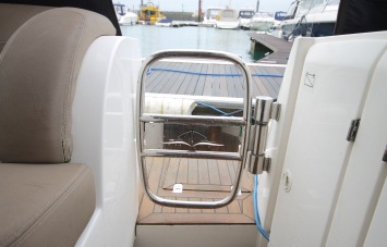 Sealine F34 for Sale Exterior
