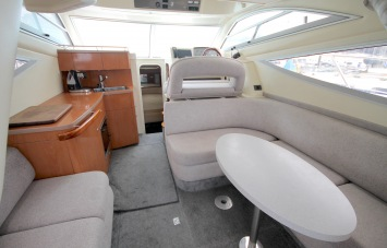 Sealine F34 for Sale Saloon