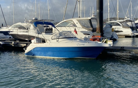 Quicksilver 550 Walkaround for Sale in UK